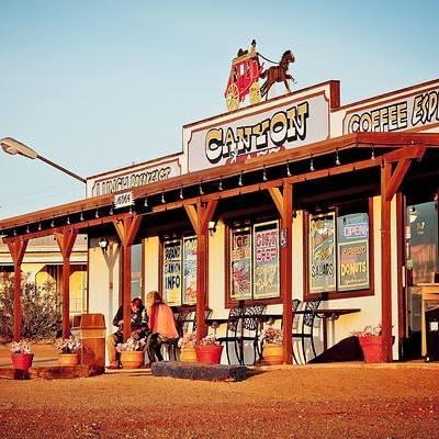 Canyon Cafe logo